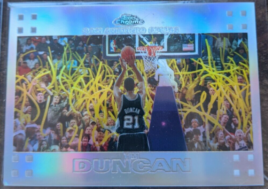 2007-08 Topps Chrome Tim Duncan Refractor /999 (#21) - A great look at Duncan shooting a foul shot