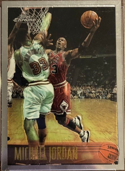 1996-97 Topps Chrome #139: Michael Jordan (avoiding Alonzo Mourning)
